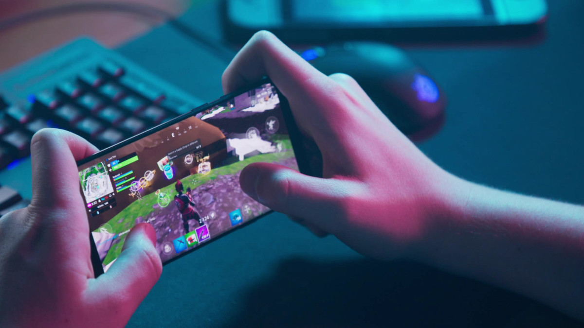 Report: Mobile Casual Gaming on the rise; 88 out of 100 people play mobile  games today - MEGPlay
